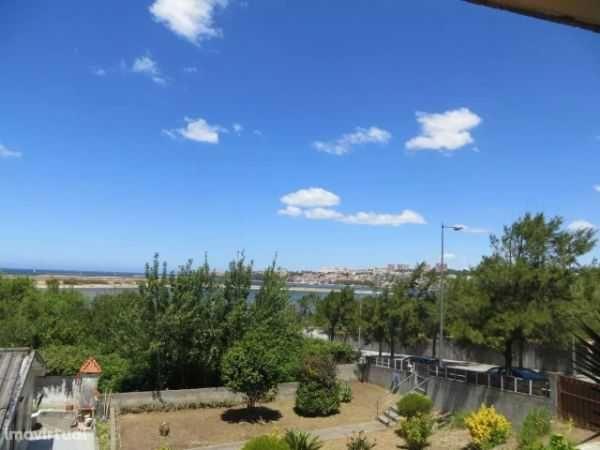 T3 Vista para Foz do Rio Douro condominio fechado