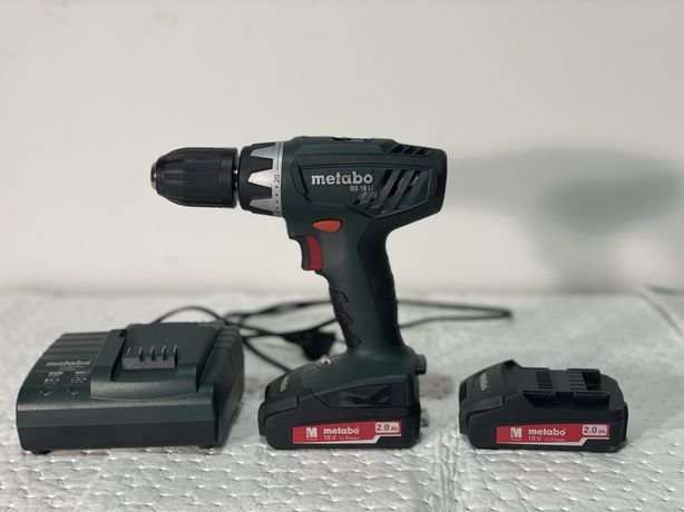 Аккумуляторный шуруповерт Metabo BS 18 Li  аккумуляторы 2Ач зарядное