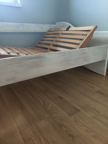 Drewniane łóżko + stelaż 90x200