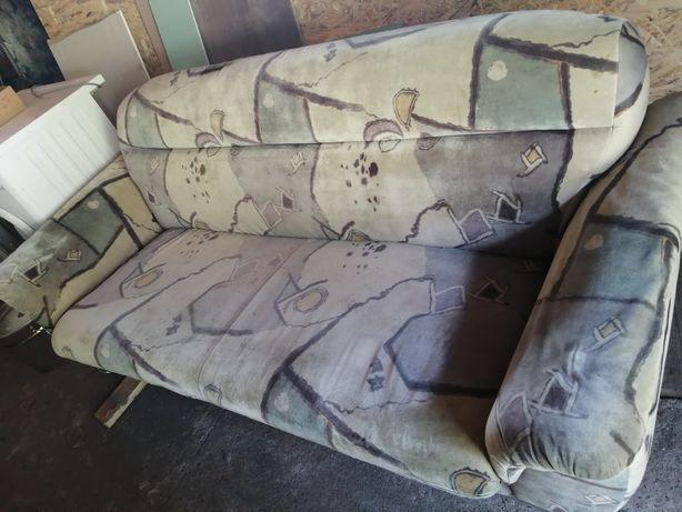 Mam na sprzedaż sofę