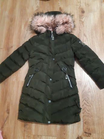 Продам зимнюю куртку на девочку 8-10лет