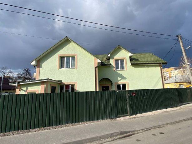 Продам дом с ремонтом в центральной части Вишневого 171м, 2.2 сотки