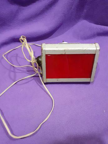 Красная лампа для фото
