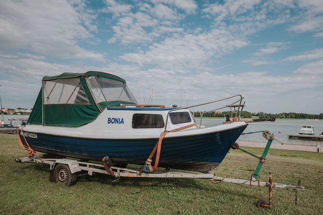 Łódka łódź kabinowa Kormoran silnik Yamaha 25 całe wyposażenie wózek