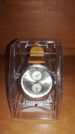 NOVO na CAIXA - Relógio de Pulso com Bracelete em Pele