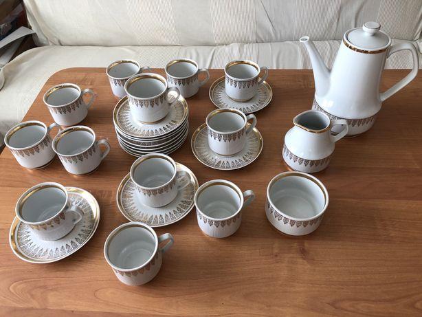 Serwis kawowy Chodzież 12 osobowy biała porcelana złoto