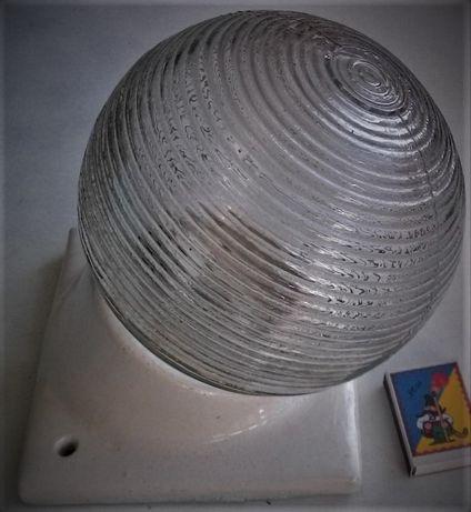 Светильник закрытого исполнения(пыле-,влагозащищённый)