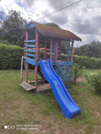 Domek na ogród dla dzieci ze ślizgiem