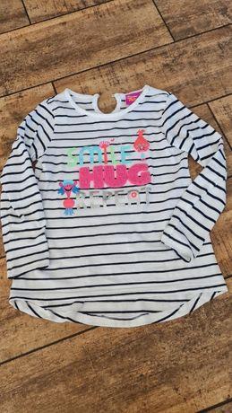 bluzeczka z kolorowymi napisami