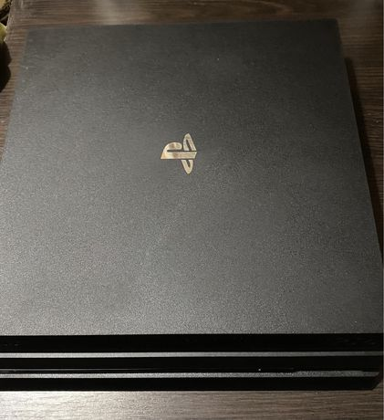 Продам приставку sony playstation 4