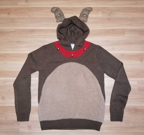 Новогодний свитер с оленьими рожками и колокольчиками