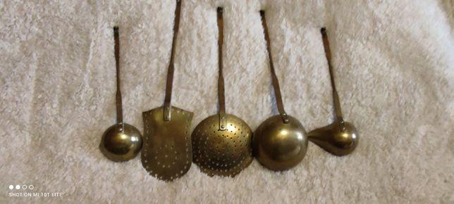 Набор винтажных поварешек, половников, латунный . бронзовый