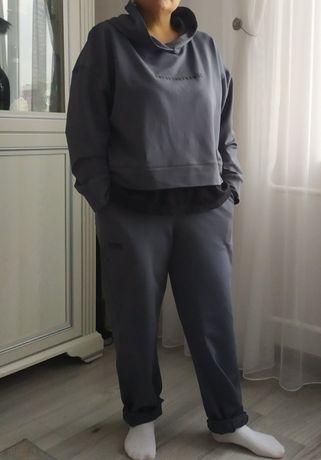 Крутой спортивный костюм Rype.