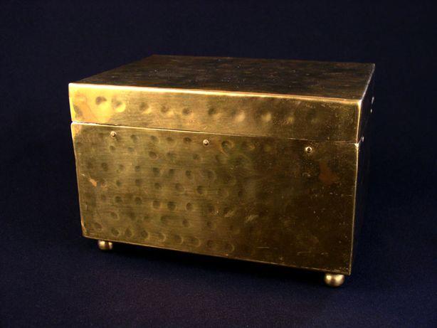 Stara duża mosiężna szkatułka skrzynka