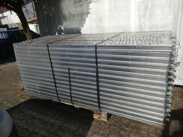 Prancha metálica G30  2,5mts galvanizada para andaime