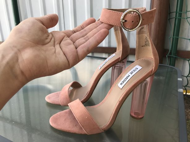Продам замшевые босоножки на прозрачном каблуке