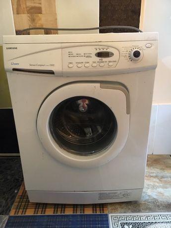 Продам пральну машинку samsung
