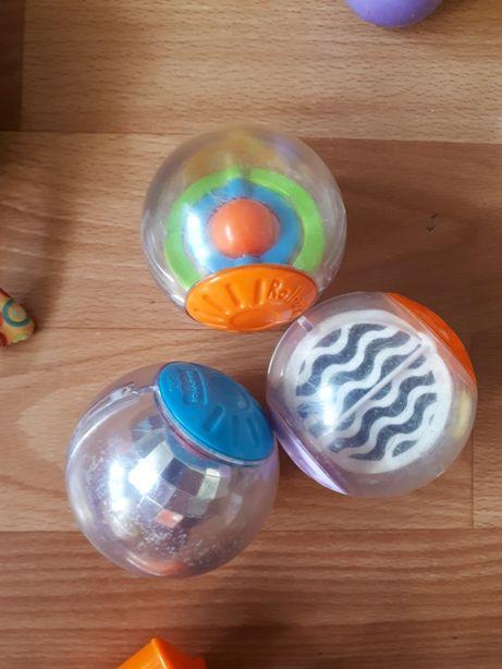 Одним лотом сенсорные мячики Fisher Price