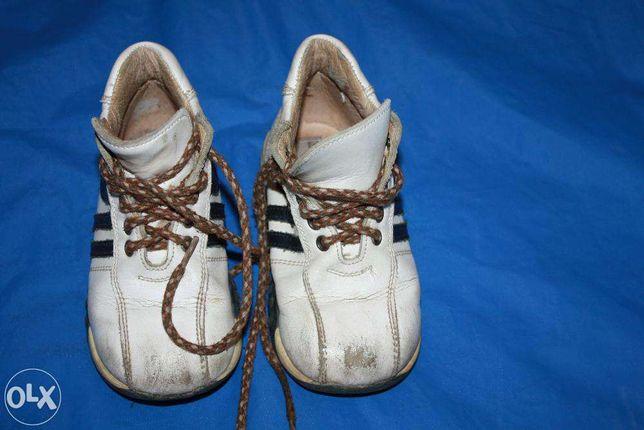 Демисезонная кожаная обувь (ботиночки,туфли)р22 р-23