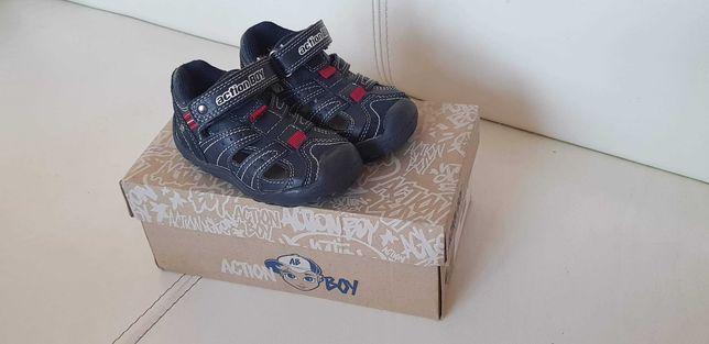 Nowe buciki 22 sandały