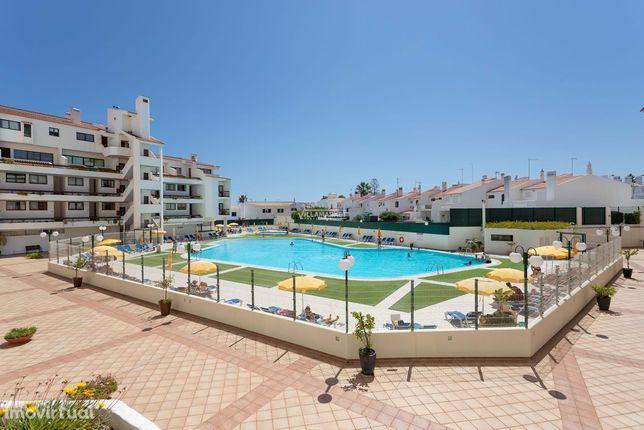 Apartamento T1 inserido no condomínio com piscina VILA MAGNA em ALBUFE
