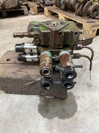Rozdzielacz hydrauliczny jd  6400