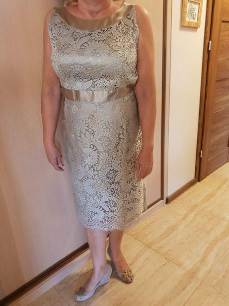 Sprzedam śliczną sukienkę