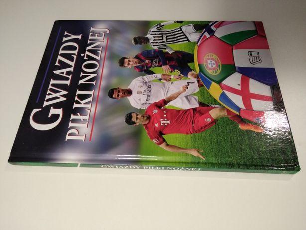 Gwiazdy piłki nożnej, piłkarze piłka nożna Ronaldo Lewandowski Suarez
