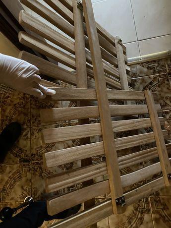 Portao de segurança em madeira
