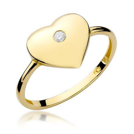Złoty pierścionek serduszko z brylantem