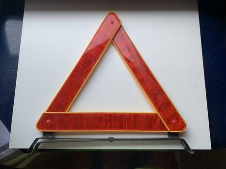 Triâgulo de pré sinalização para carro com caixa