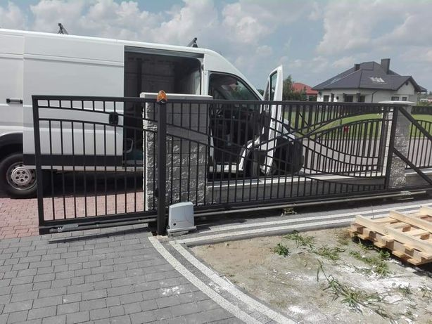 Bramy garażowe automatyka do bram napędy do bram montaż serwis