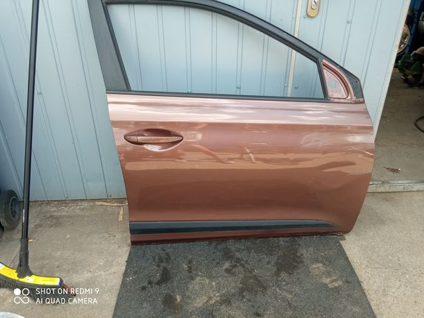 Drzwi prawy przód Hyundai I-20 II 5d kolor X9N