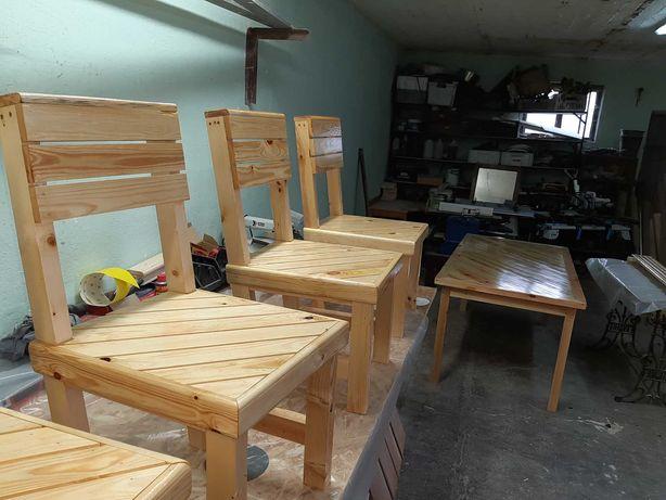 Sprzedam stol z krzeselkami