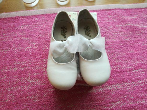 Sapatos brancos número 32
