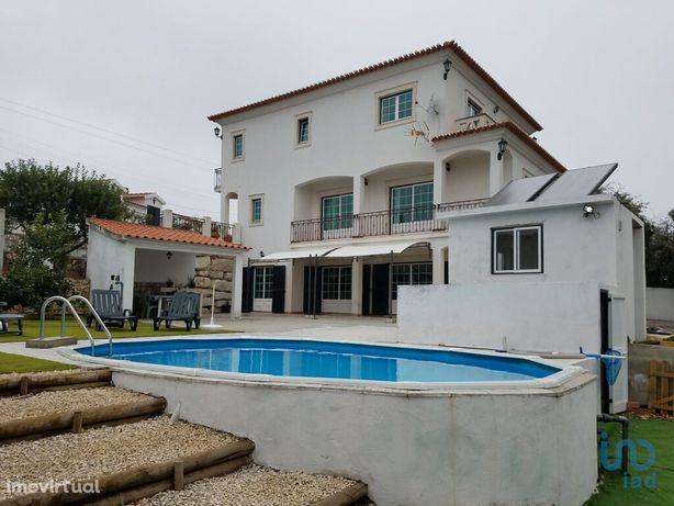 Moradia - 303 m² - T4