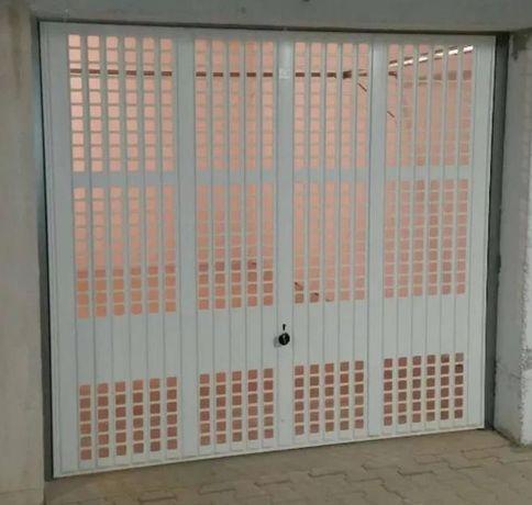 Garaż do wynajęcia  w budynku