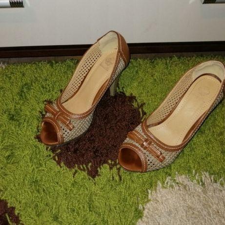 Damskie buty z odkrytymi palcami.. siatka..rozm 37