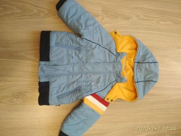 Демисезонная курточка на 1.5 года.