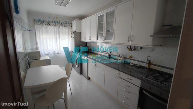 Apartamento T2 Mobilado e Equipado no Monte-Abraão, Sintra