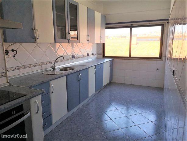 Apartamento T2 em Monte Abraão; Sintra
