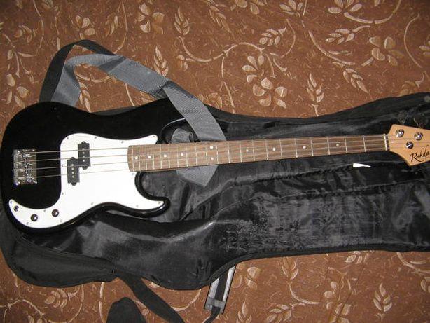 Rockdale бас гитара чернобелый