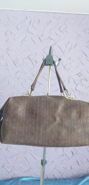 Продам кожаную сумку LIU JO