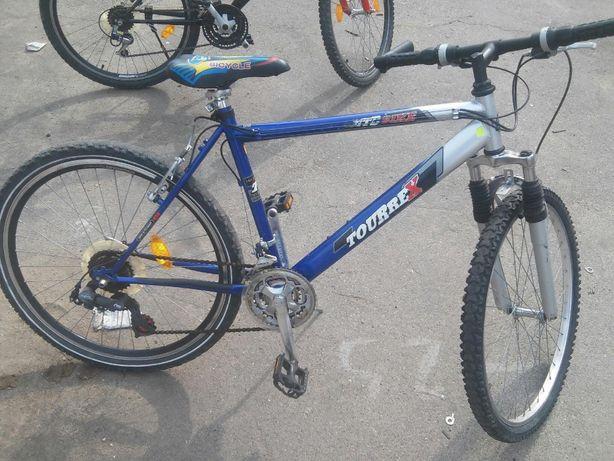 продаю велосипед фирма Tourrex, рама 45 см, радиус колеса 27, 5 см,