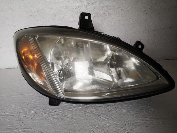 Mercedes Vito W639 lampa prawy przód