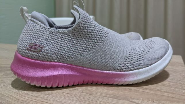 Skechers кроссовки на девочку