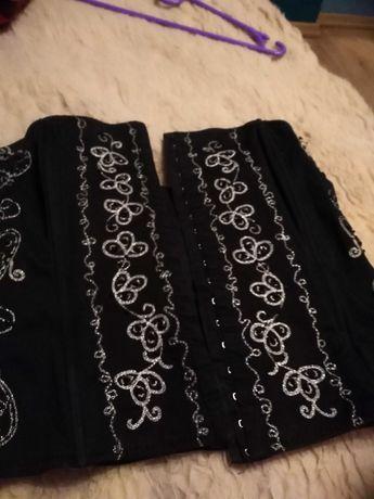 Piękny gorset Ręcznie wyszywany i haftowany