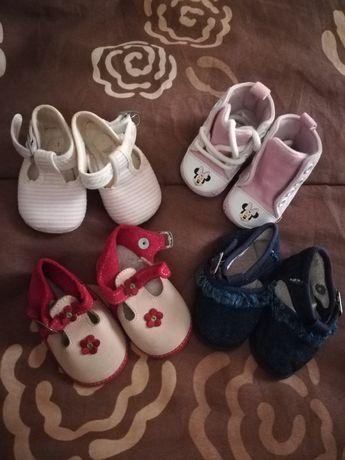 Lote de Sapatos 3 meses Disney