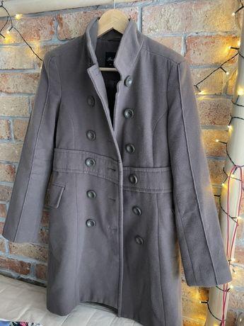 Płaszcz zimowy kolor śliwkowy rozmiar M
