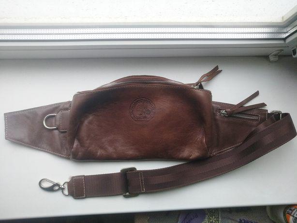 Мужская кожаная сумка на пояс бананка